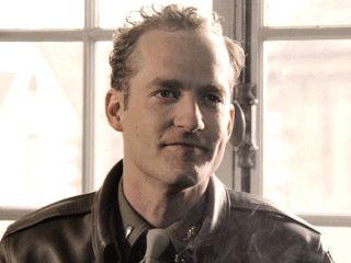 ハリー・ウェルシュ中尉 : リック・ウォーデン
